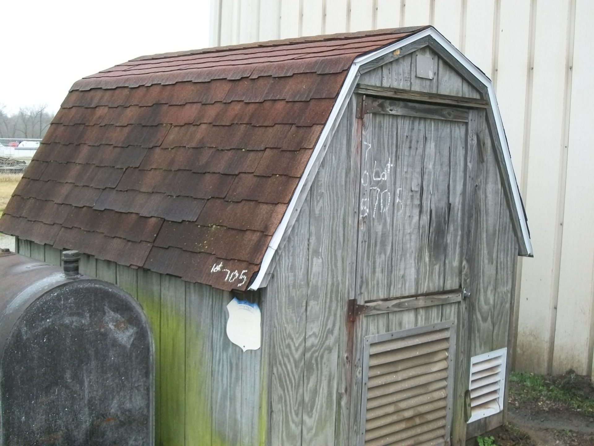 Lot 705 - WOOD SHED, APPROX 7'X8'