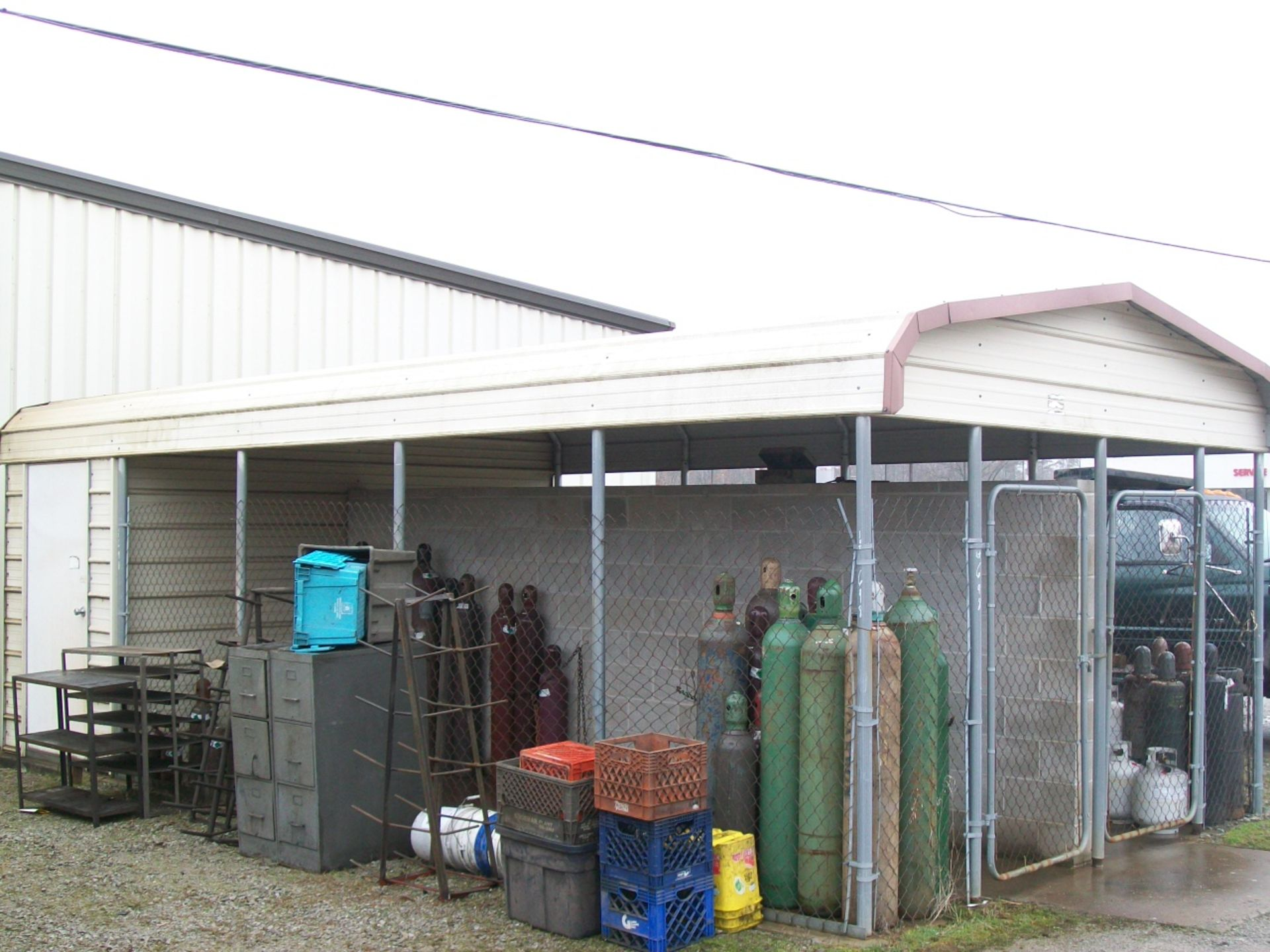 Lot 698 - PORTABLE SHED, APPROX 15'X30'