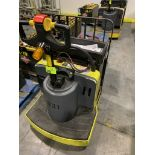 Hyster pallet jack with batter and charger; 7993 HOURS