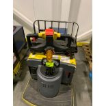 Hyster pallet jack with batter and charger; 7696 HOURS