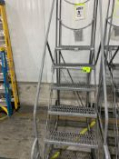 6 step ladder with platform on wheels. Max load 800 lbs