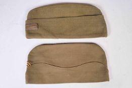 FR- Deux bonnets de police de Capitaine. Un calot d'officier français en drap clair type 1939-1940