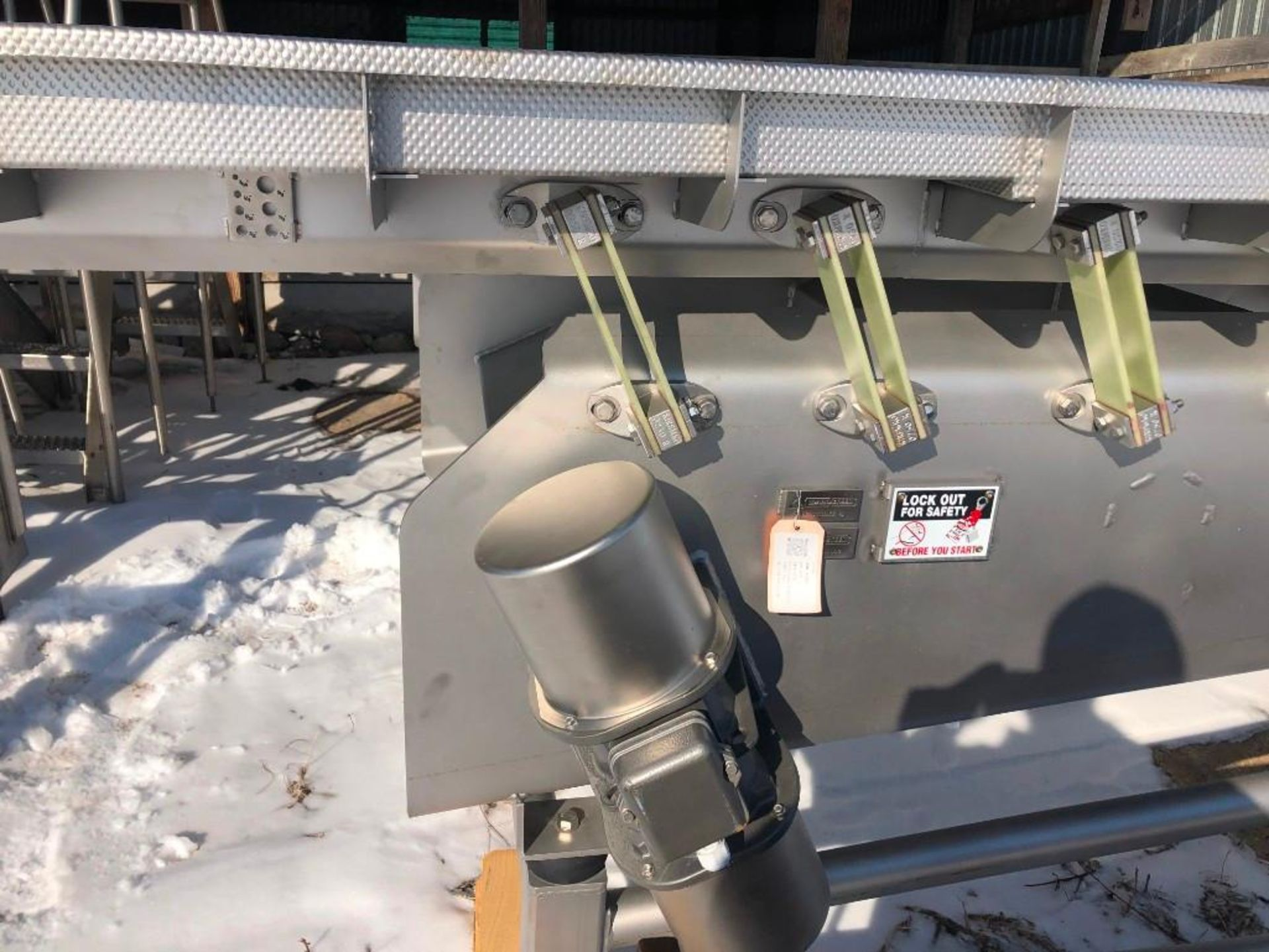Reyco Systems stainless steel vibratory conveyor - like new - Image 12 of 23