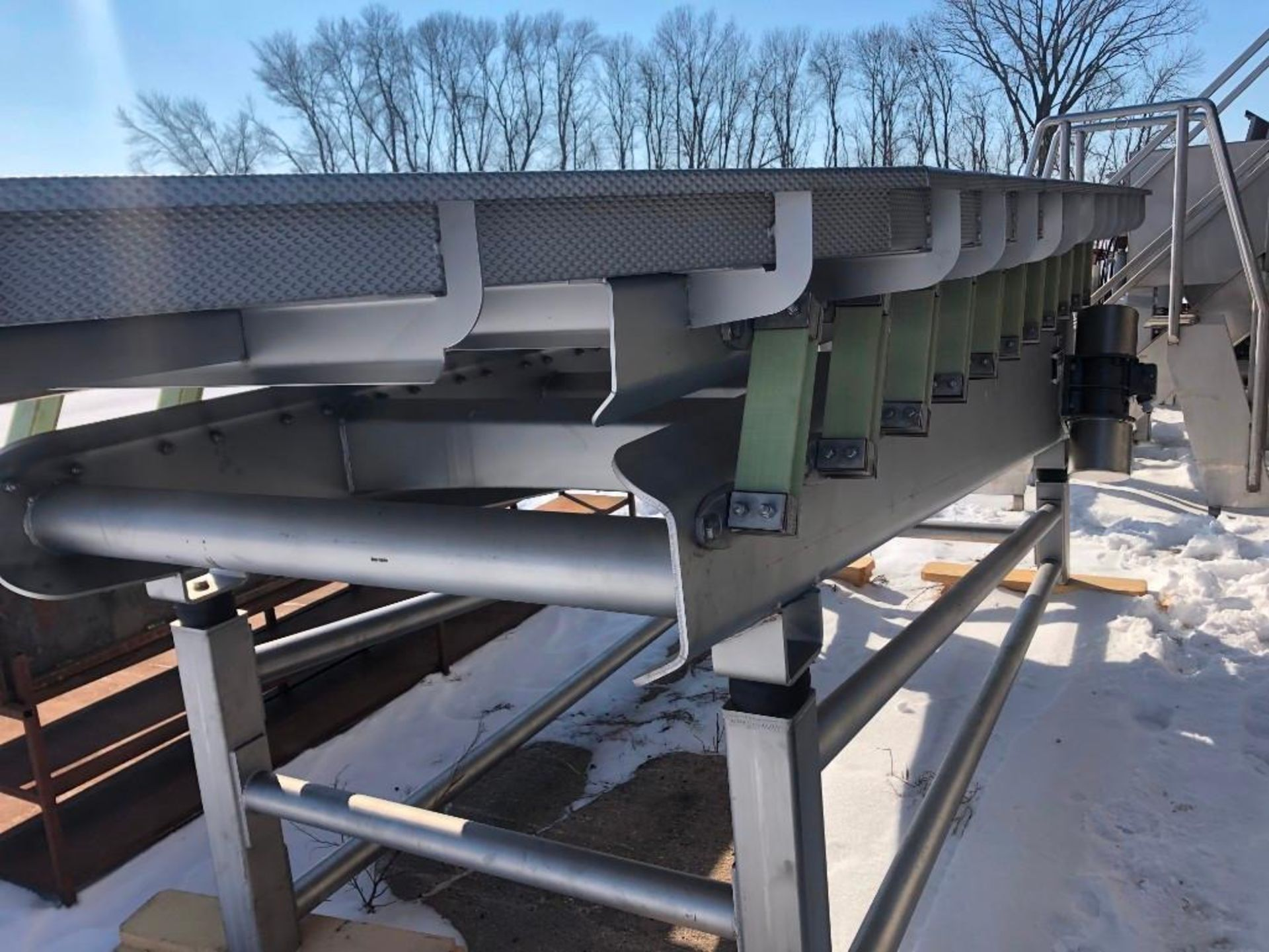Reyco Systems stainless steel vibratory conveyor - like new - Image 7 of 23