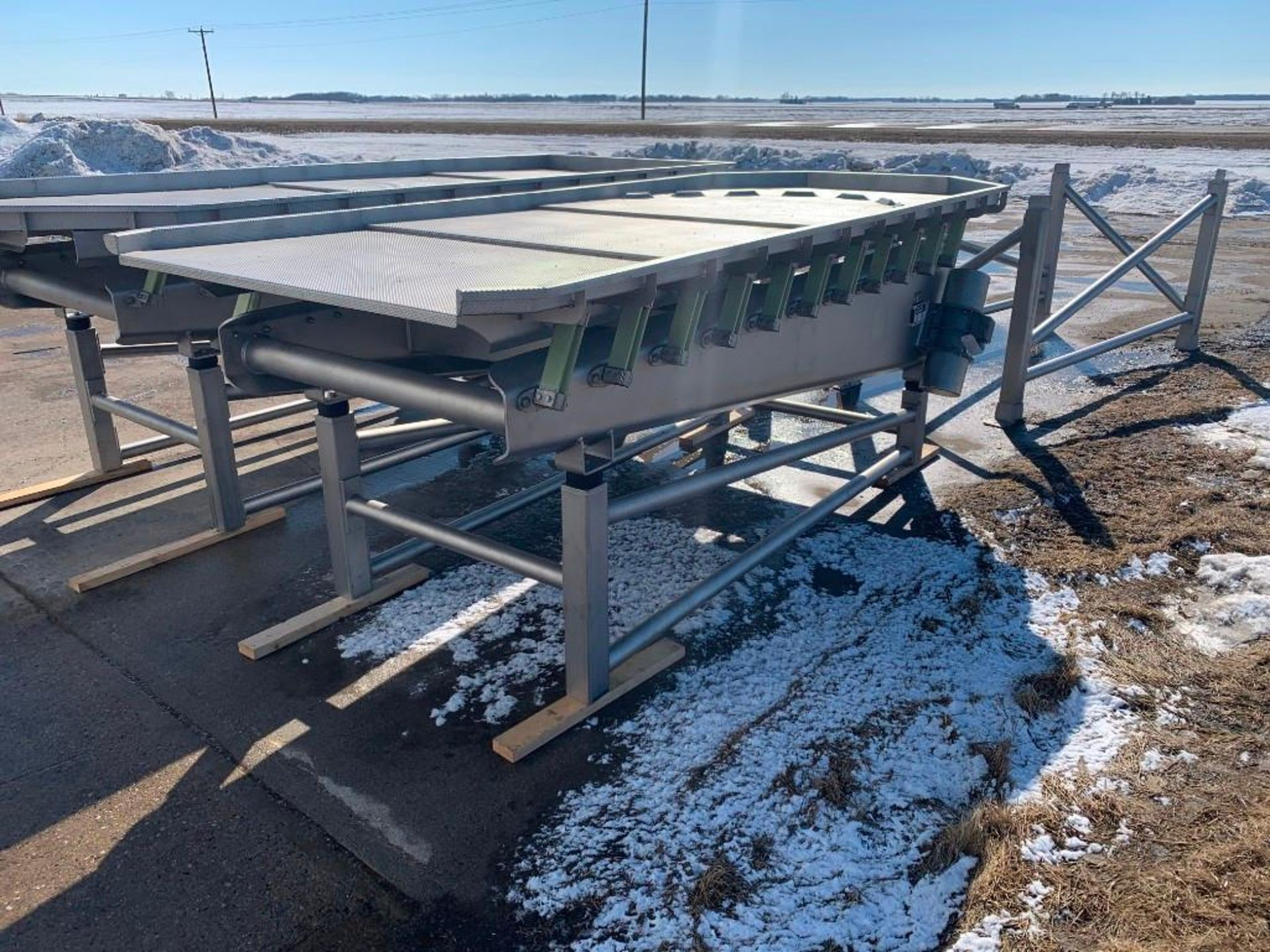 Reyco Systems stainless steel vibratory conveyor - like new