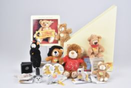 STEIFF Werbegeschenke und SchlüsselanhängerAufsteller, Sammelordner, Knopf, Uhr, 2x Kuscheltiere,