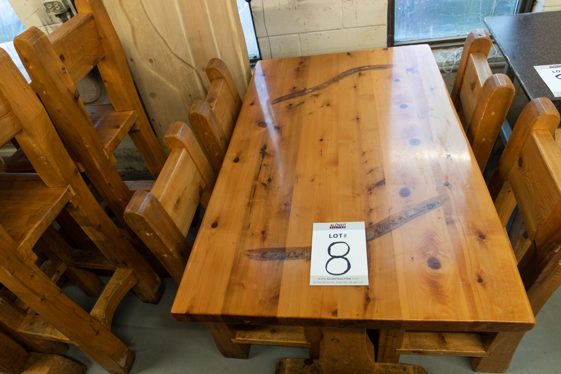 4' WHITE PINE DINING TABLE WITH 4 CHAIRS - L-48'' W-28'' H- 30'' - Image 2 of 4