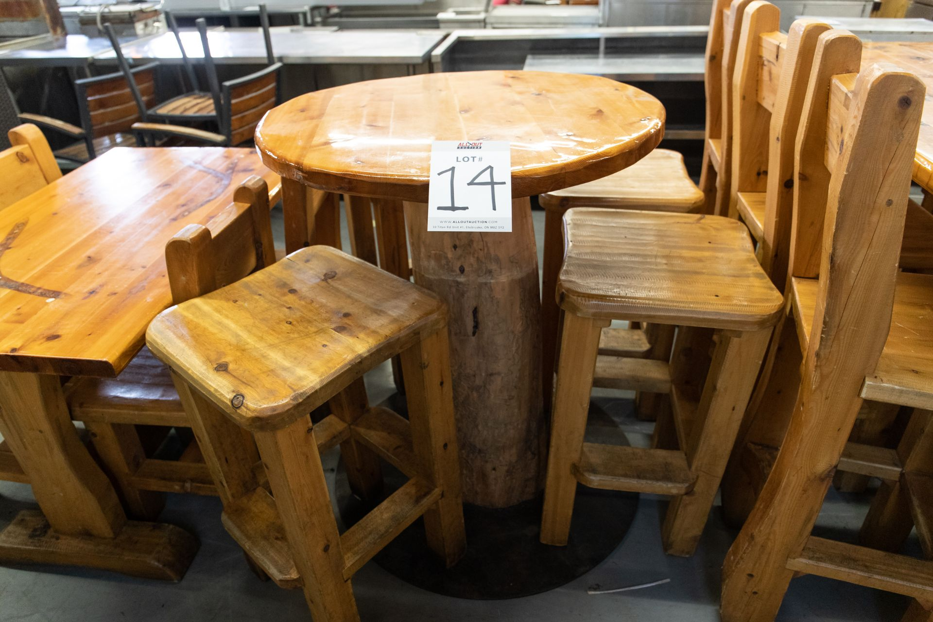 """ROUND WHIITE PINE HIGH TOP PUB TABLE WITH 4 STOOLS - D- 34"""" H 42"""" - Image 2 of 4"""