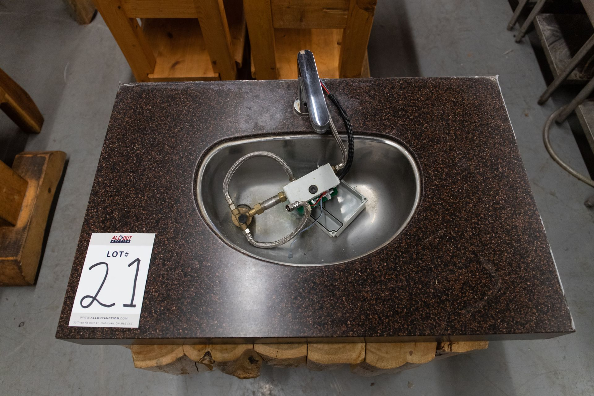 1 FAUCET SINK (TOUCHLESS) WITH STEEL FRAME, CORIAN TOP AND WHITE PINE CLADDING H-32'' W-23'' L-36'' - Image 2 of 5
