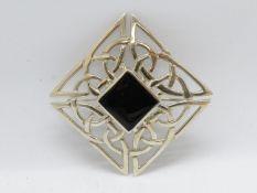 Celtic silver and black onyx brooch Ralph Weston TA Kell's gold Mull Scotland 9.7g