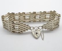 "Vintage silver 6 bar gate bracelet with lock and chain London 1976. 7.5"". 22g"
