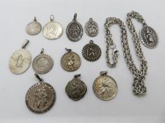 Large collection of St. Christopher's and chain 38g