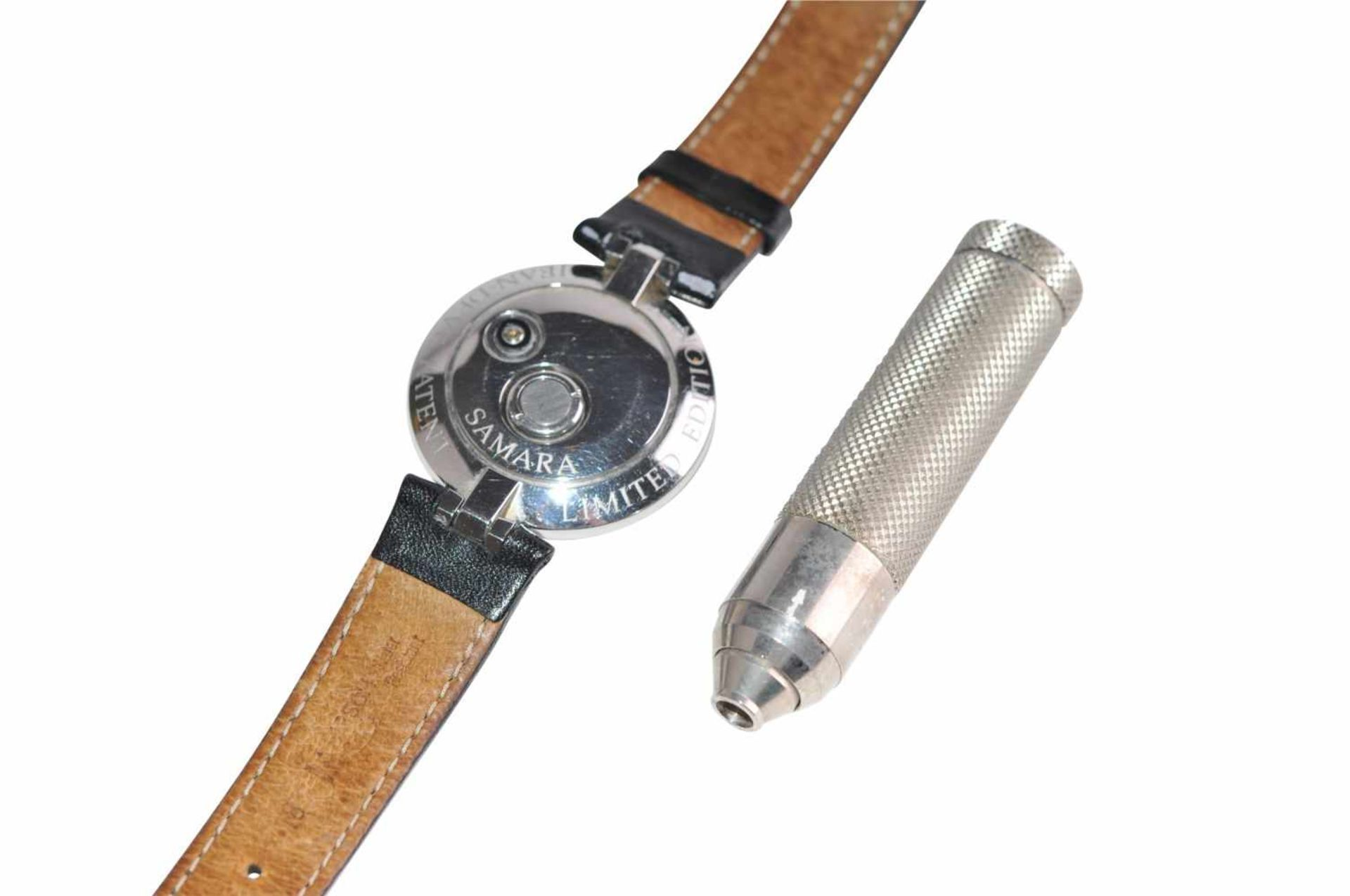 Los 39 - Jean d´Eve SamaraThe first automatic quartz watch built in 1988 by LePhare, Jean d'Eve, for the