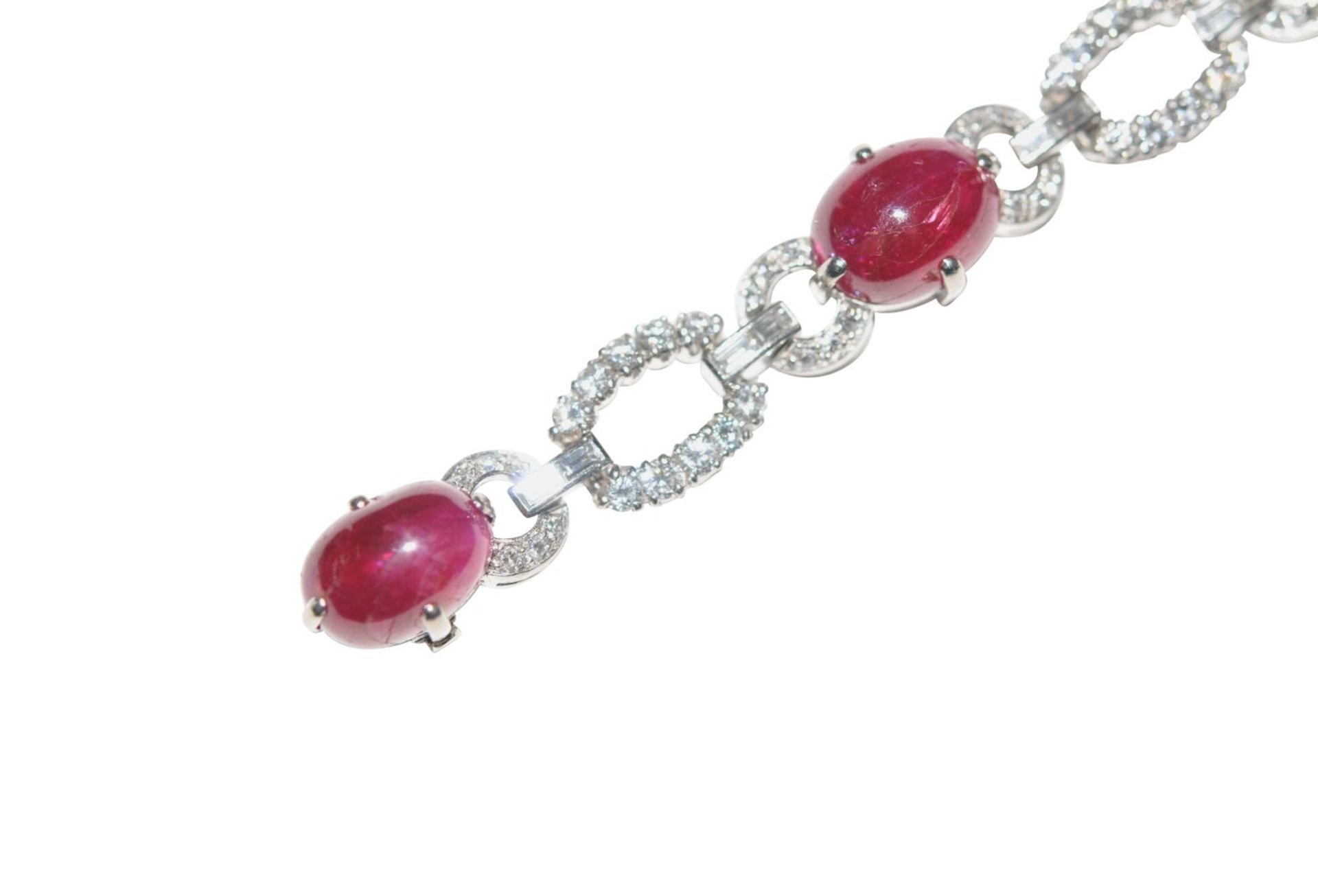 Los 116 - Platinum-brilliant-ruby braceletBracelet, partly Pt 950/000 and 18kt white gold with diamonds