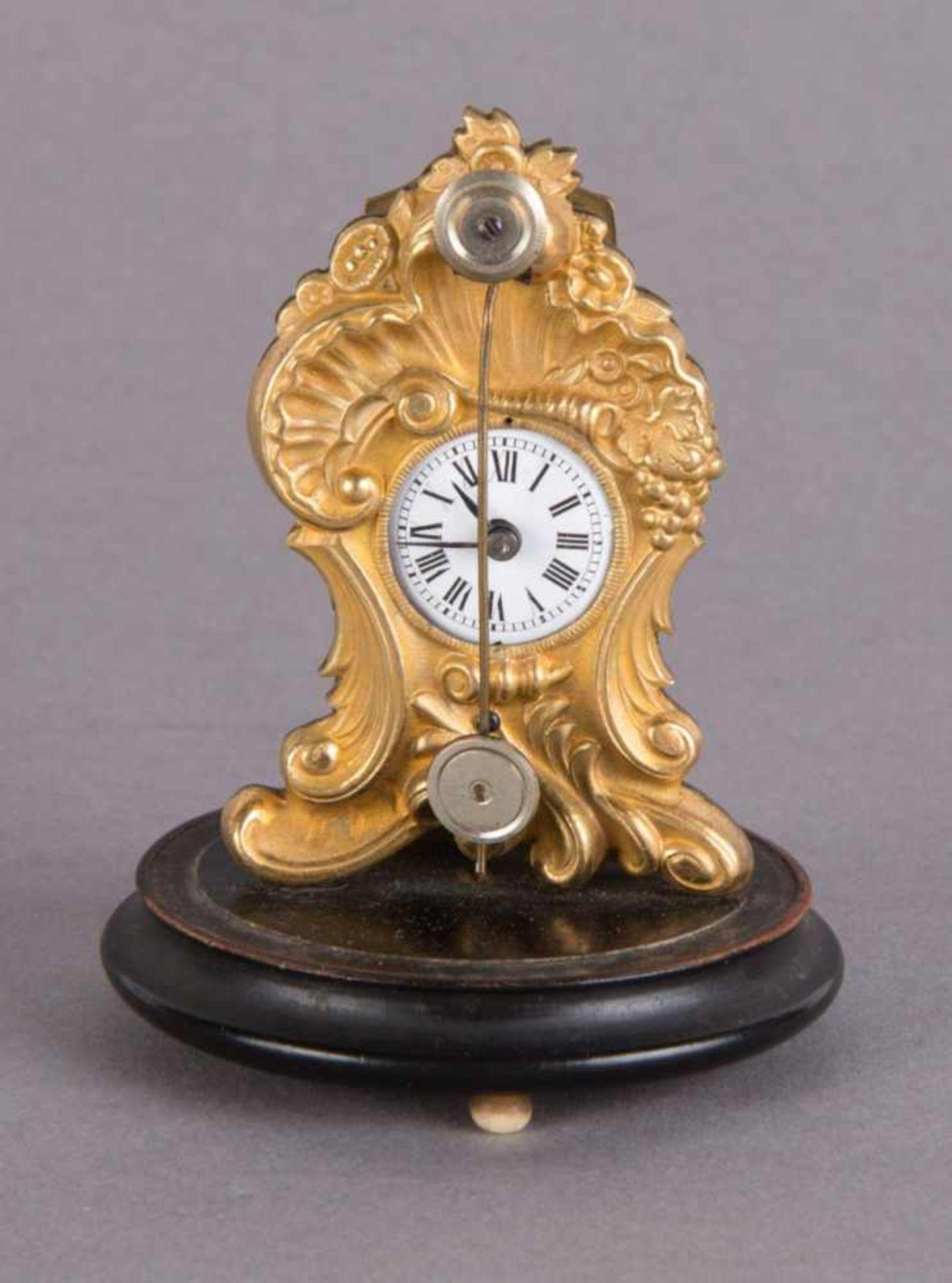 Los 64 - Zappler with Glas CubeFidget Clock around 1835 H 6.5 x W 4 x D 1.5 cm Fire-gilded brass case,