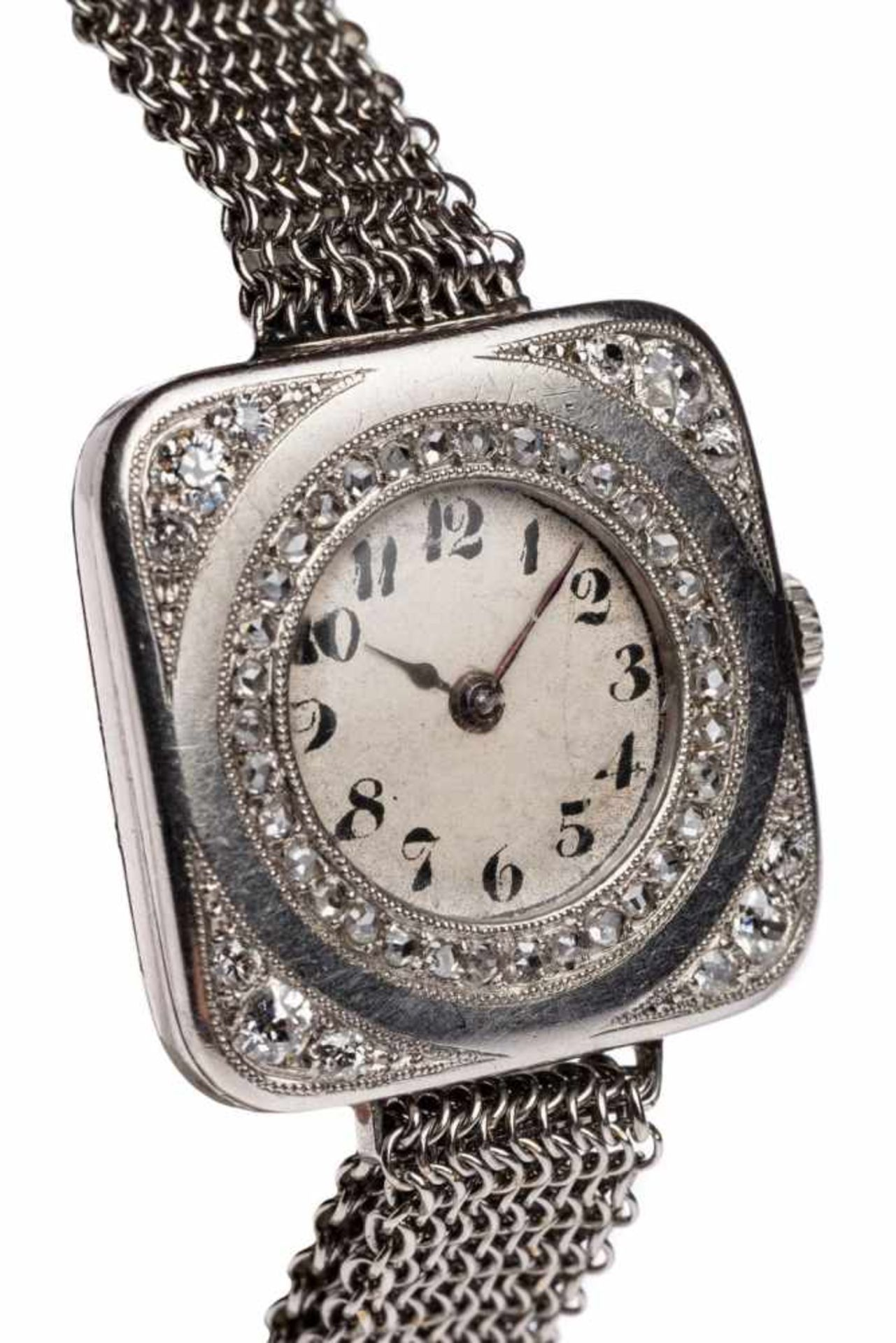 Los 2 - Art Deco Ladies Watch PlatinSmall ladies watch made of platinum with diamonds lozenges approx. 0.9