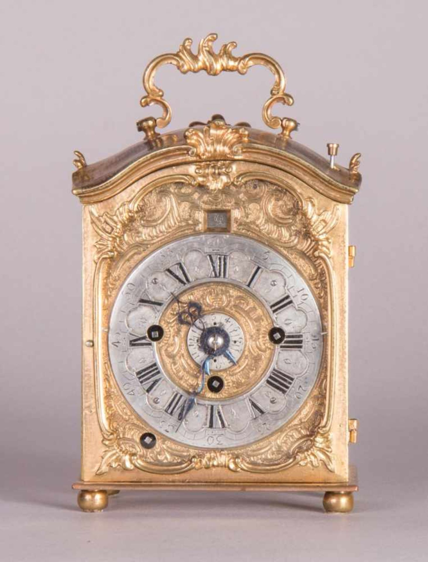 Los 62 - very early TravelclockBaroque travel clock with alarm function around 1750 H 14.5 x W 9 x D 5.3 cm
