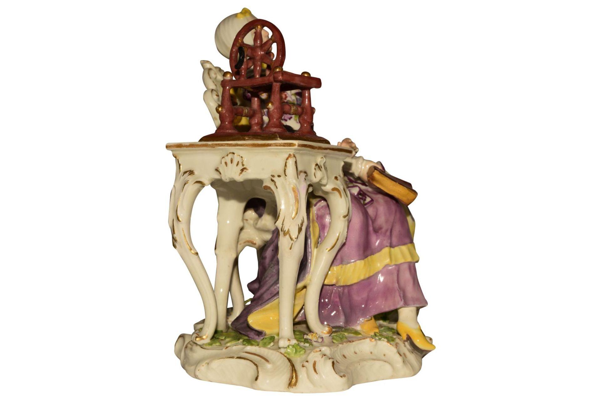 """""""Dame mit Spinnrad"""" Meissen um 1750 - Bild 5 aus 10"""