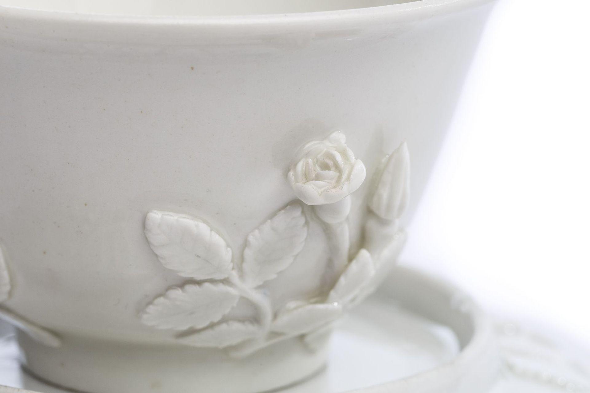 Koppchen mit Unterschale, weißes Böttgerporzellan, Meissen 1720/25 - Bild 2 aus 5