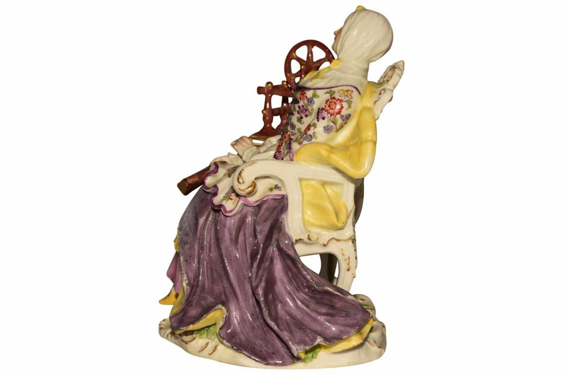 """""""Dame mit Spinnrad"""" Meissen um 1750 - Bild 2 aus 10"""