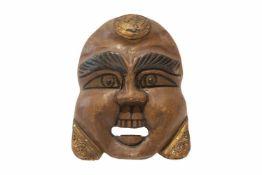 Lachende Holzmaske ChinaLachende Holzmaske mit schönen Schnitzereien und offenem Mund. Provenienz: