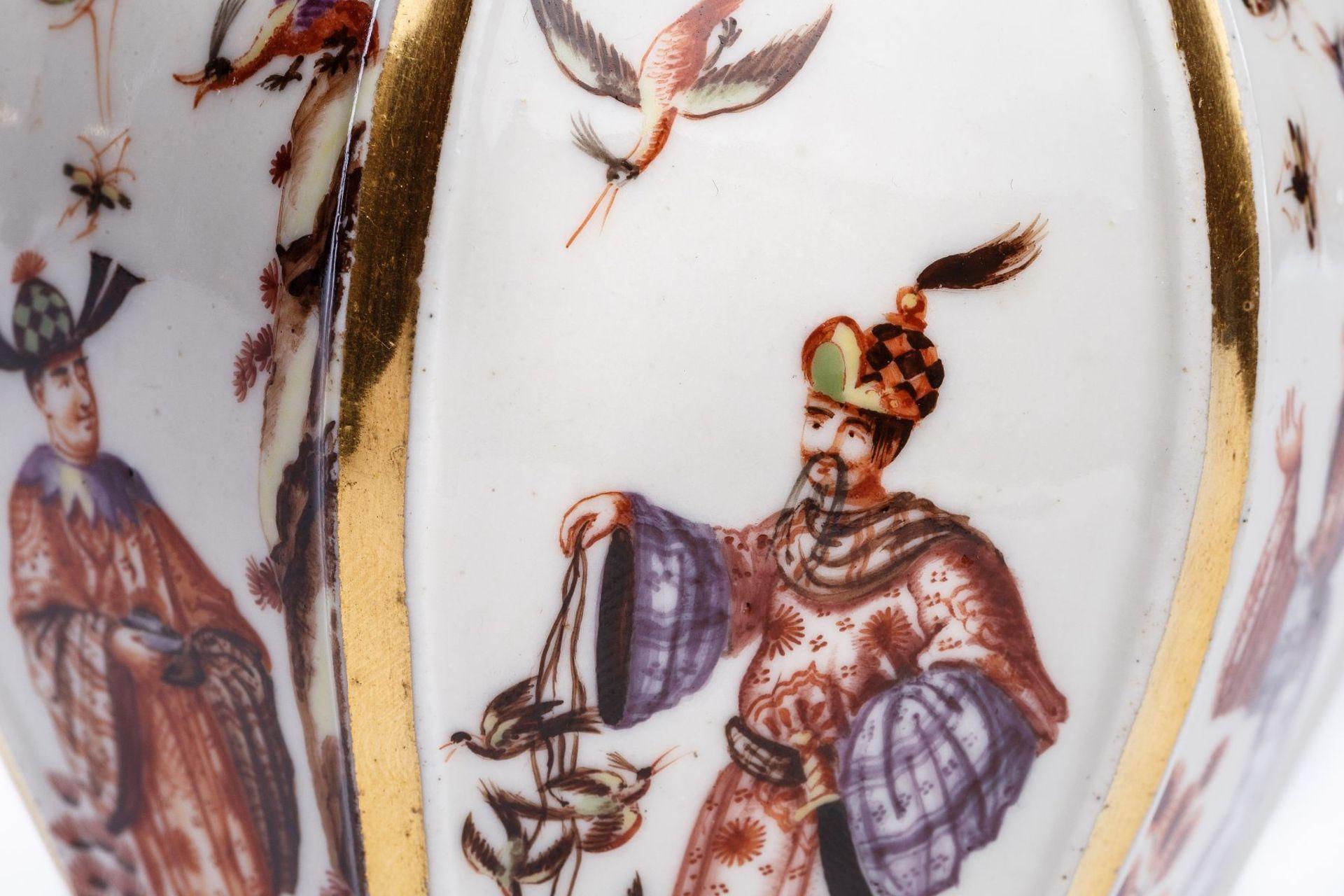 Teedose mit Chinoiserie Szenen, Meissen 1725/30 - Bild 2 aus 3