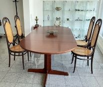Thonet set | Extandable table & Set of 4 Thonet chairs, Nr.17