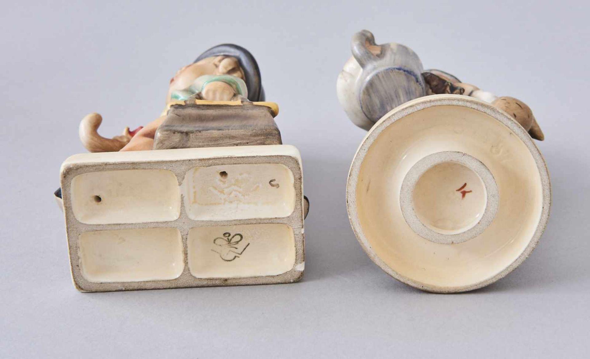 Los 41 - Zwei HummelfigurenSchuljunge und Junge mit Bierkrug, alte Marke.Höhe 13 und 13,5 cm