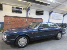 N 95 Jaguar XJ6