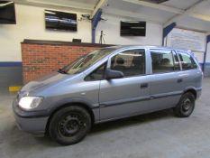 53 03 Vauxhall Zafira 16V Club