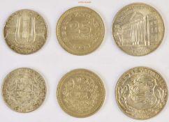Estland, 25 Senti, 1 Kroon, 2 Krooni, 1928, 1933, 1932, vorzüglich-Stempelglanz, 3 Stück- - -21.50 %