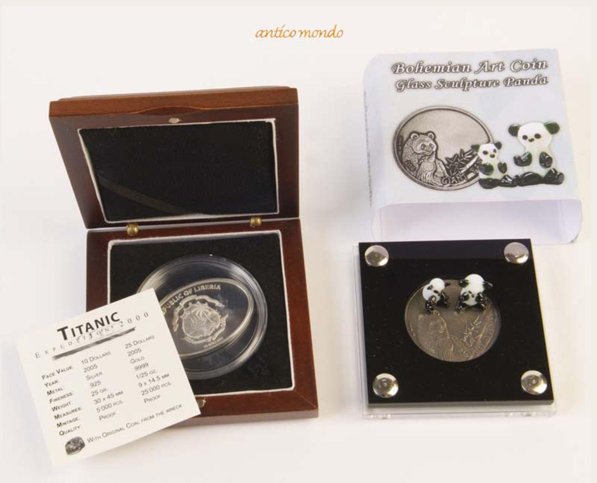 Liberia und Bukina Faso, Lot von 2 modernen Silbermünzen im Etui (1x Etui beschädigt),