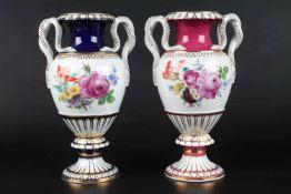 Meissen - Paar Schlangenhenkelvasen, Pair of snake handle vases 1st Choice2 Porzellanvasen
