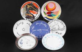 7 Künstlerteller, Rosenthal, artist plates,Porzellan, grüne Bodenmarke, Günter Grass Literatenteller