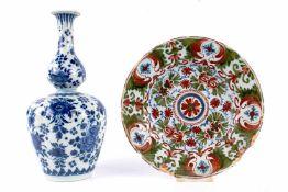 Teller und Vase, Delft 18. Jahrhundert, plate and vase 18th century,Keramik, Niederlande 18.