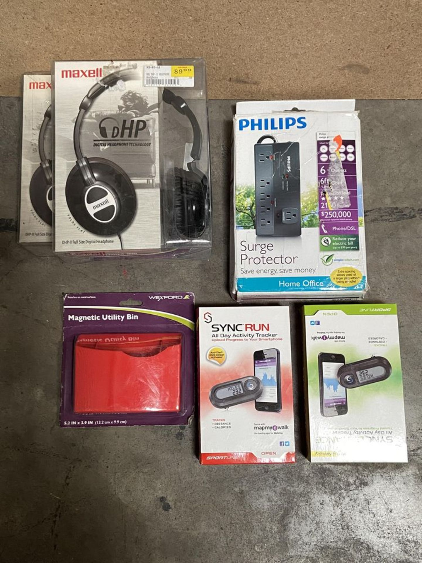 Lot 185 - Mixed Electronics lot: Maxell Headphones, Sportline, Philips Surge Protector, Etc