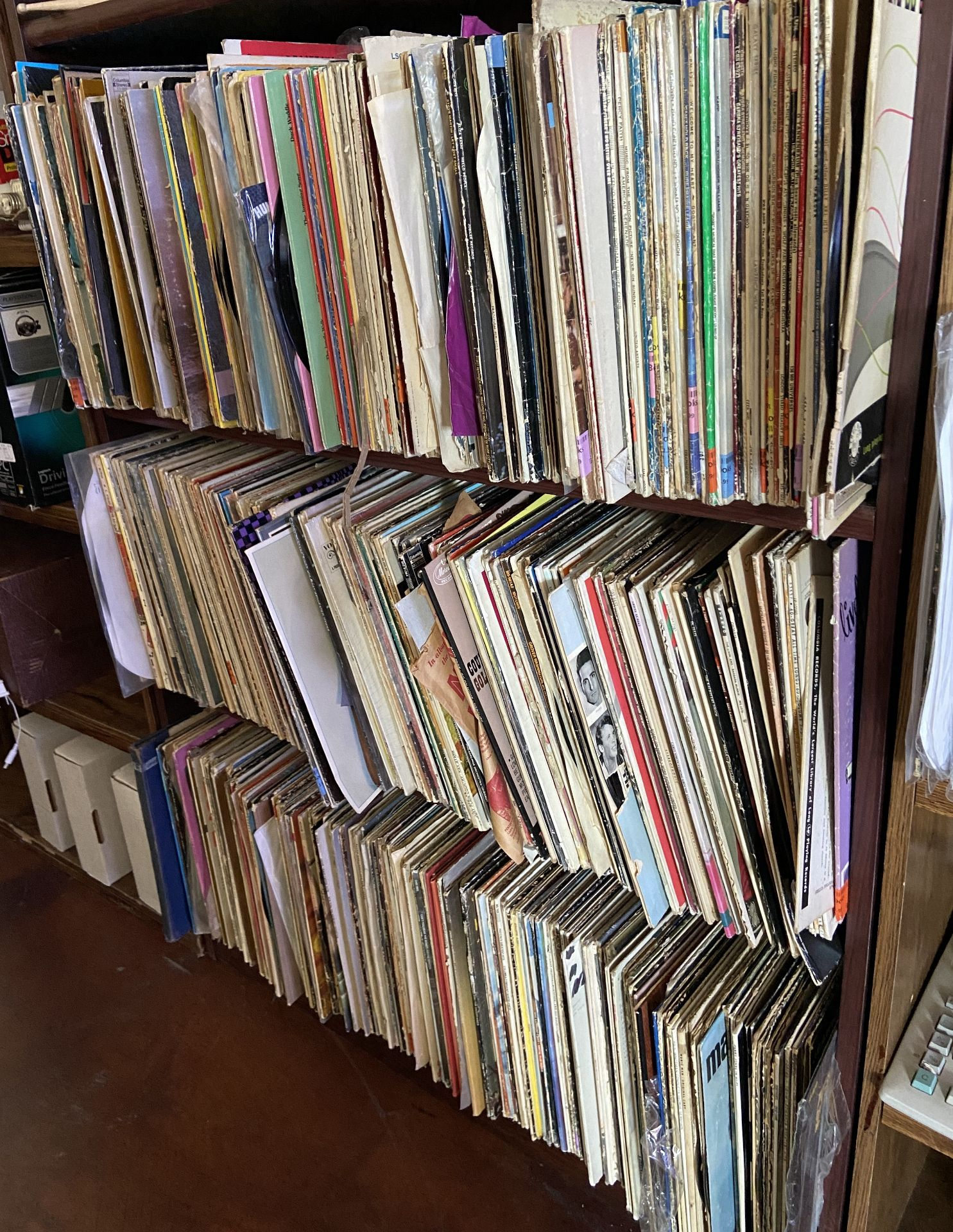 Lot 70DD - Large collection of Vinyl Records
