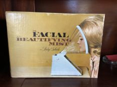 Vintage Lady Schick 'The Facial with Beautifying Mist' Model 60 in Box