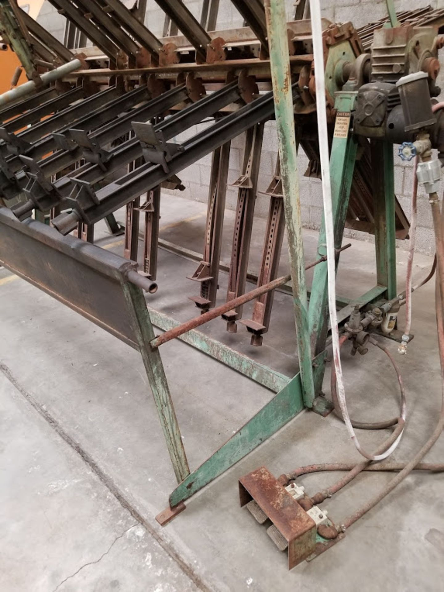 """Lot 4 - James Taylor 6 Station Clamp Carrier, 8ft wide, 30"""" adjustible clamps with Flattener"""