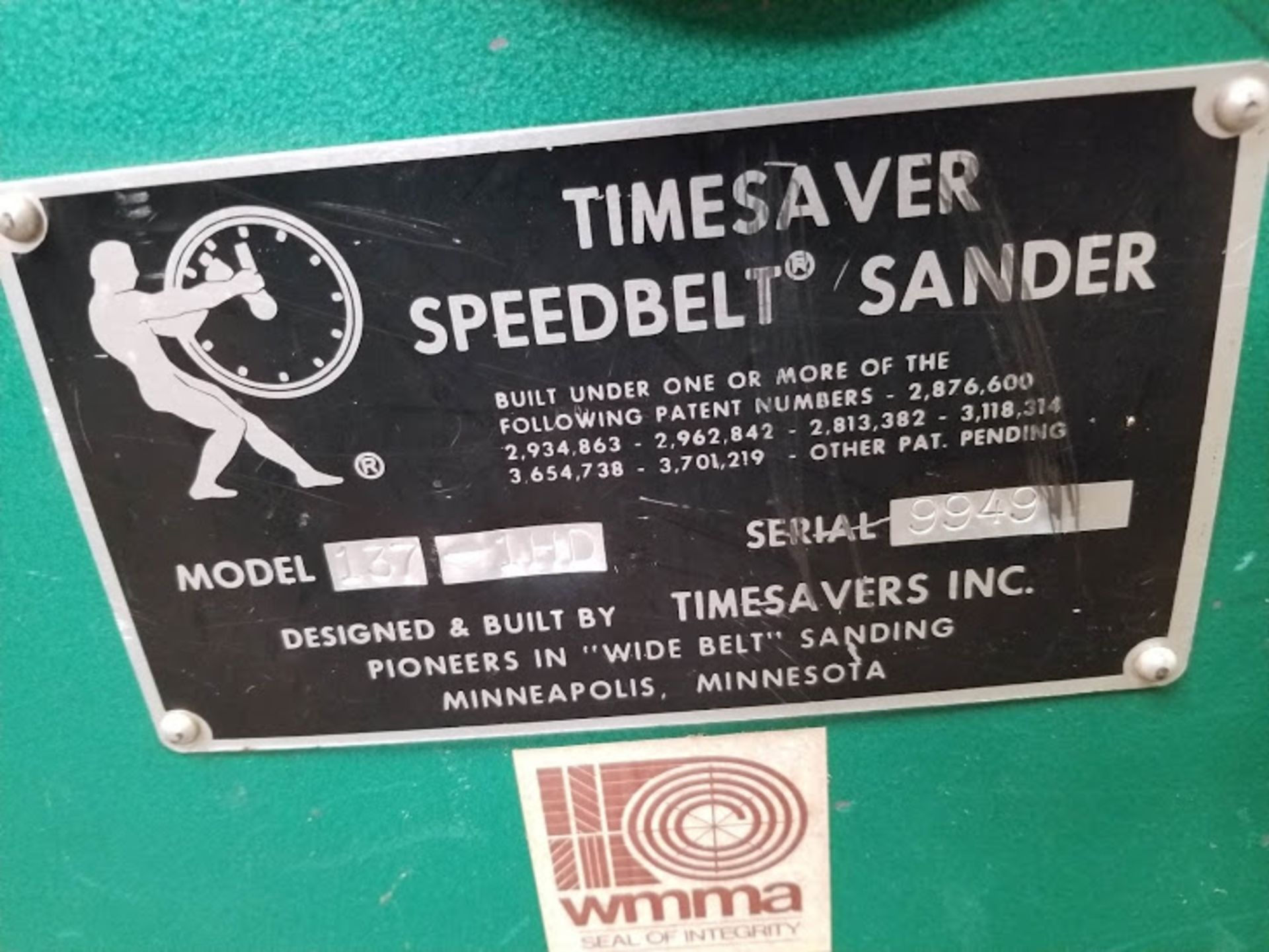 "Lot 25 - Timesaver 37"" x 60"" Wide Belt Sander, Model #137-1HD, 20 HP 230/460 volt 3 phase, Varible speed feed"