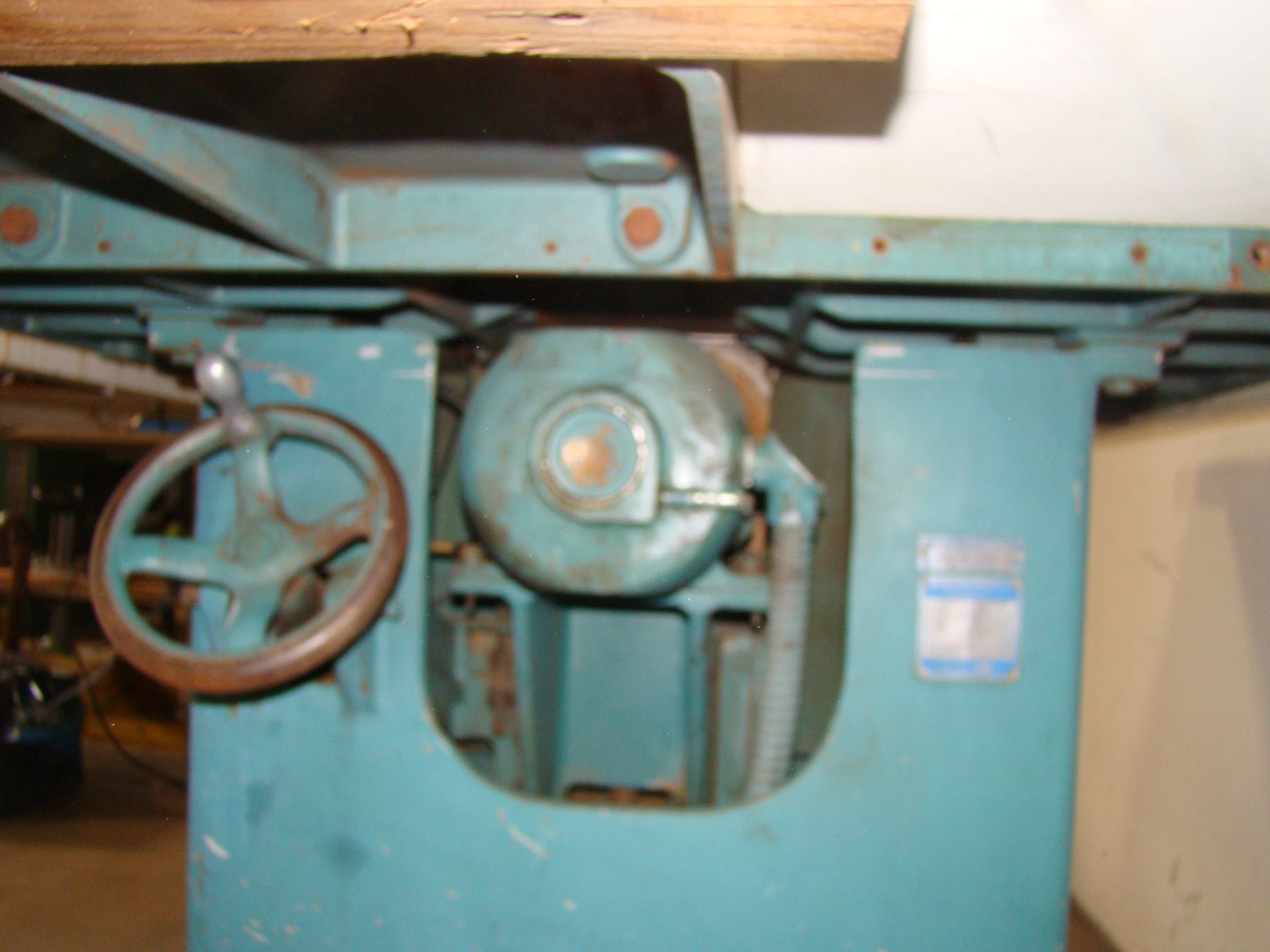 "Oliver 14"" Table Saw, W/ 50"" Biesemeyer Rails Fence 5HP 220 Volts 3 Phase Motor - Image 3 of 7"