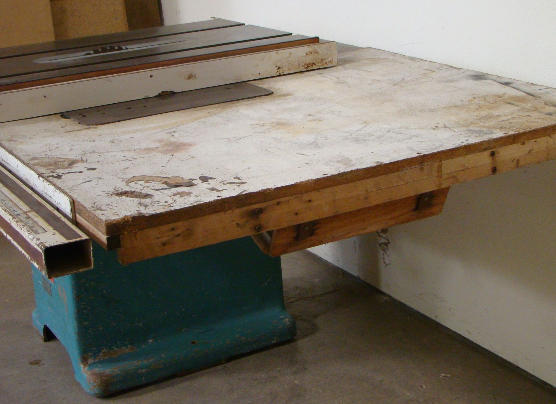 "Oliver 14"" Table Saw, W/ 50"" Biesemeyer Rails Fence 5HP 220 Volts 3 Phase Motor - Image 7 of 7"
