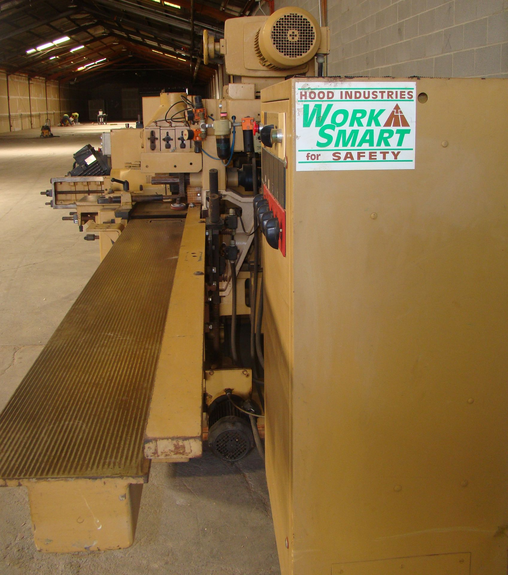 "SCMi 9"" Wood Moulder, Model: P230 5 Head 6.6HP 220/440 Volts 3Phase - Image 9 of 14"