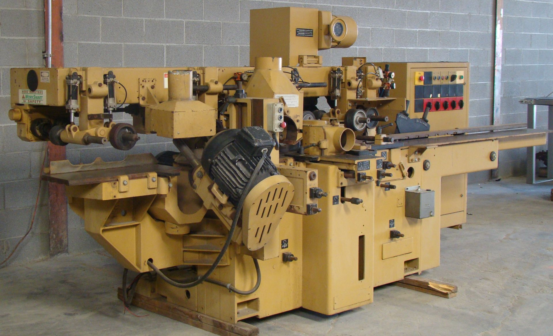 "SCMi 9"" Wood Moulder, Model: P230 5 Head 6.6HP 220/440 Volts 3Phase - Image 13 of 14"