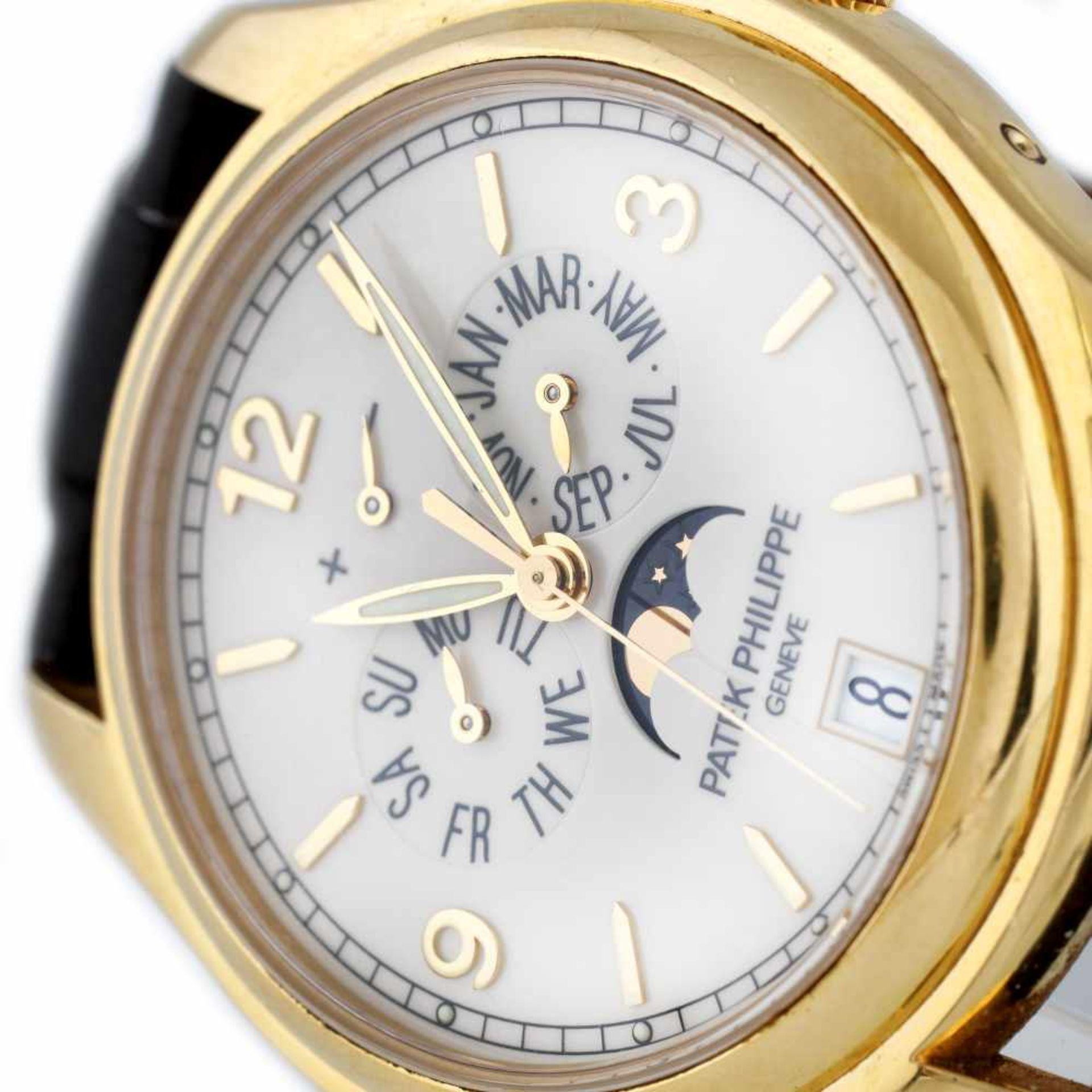 Patek Philippe Annual Calendar Moon Phase wristwatch, gold, men, provenance documents and original b - Bild 2 aus 4