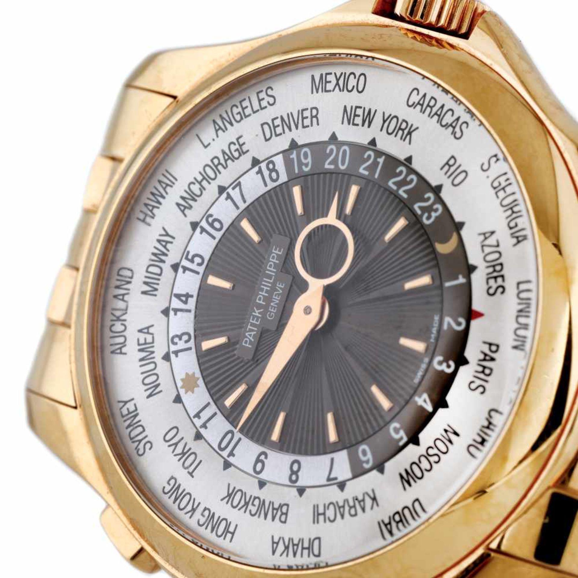 Patek Phillipe World Time wristwatch, gold, men, provenance documents and original box - Bild 2 aus 3
