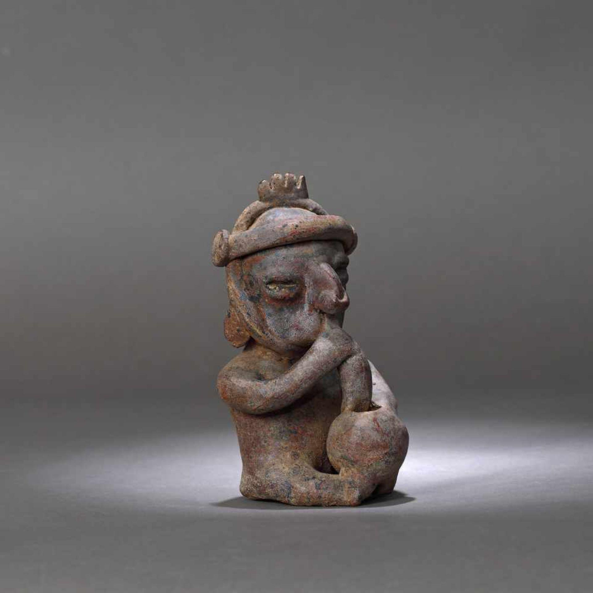 Ceramic figurine depicting a man smoking, Colima culture, Mexico, approx. 2,000 years old, 1st centu - Bild 4 aus 6