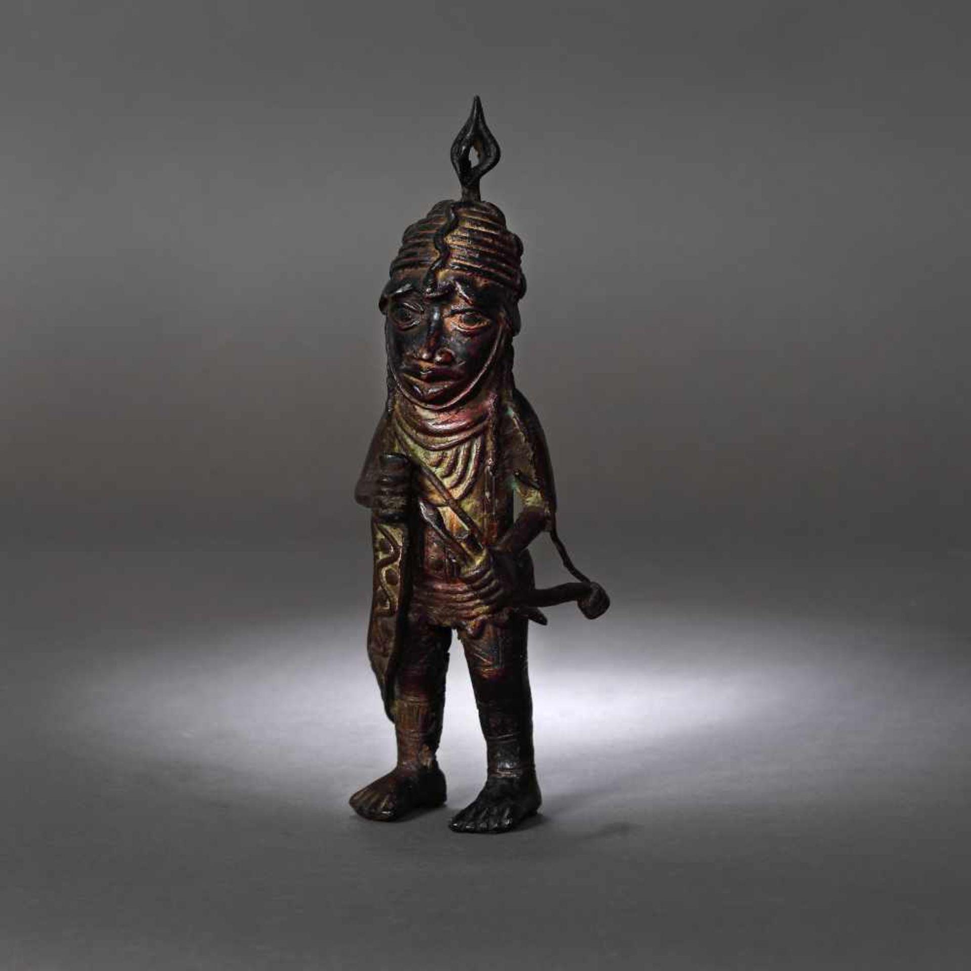 Bronze statuette, representing a warrior, possibly Nigeria, early 20th century - Bild 2 aus 4