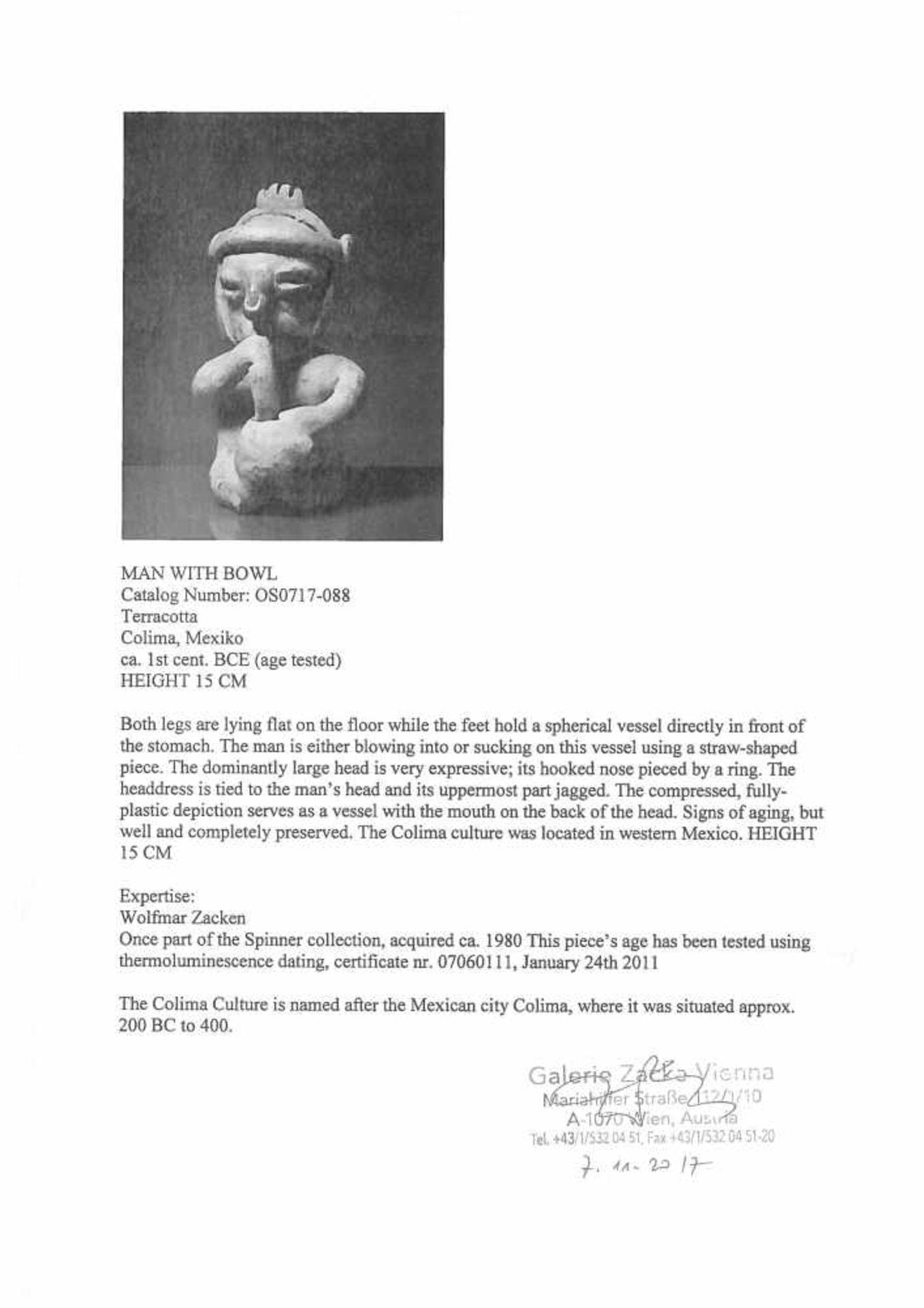 Ceramic figurine depicting a man smoking, Colima culture, Mexico, approx. 2,000 years old, 1st centu - Bild 5 aus 6