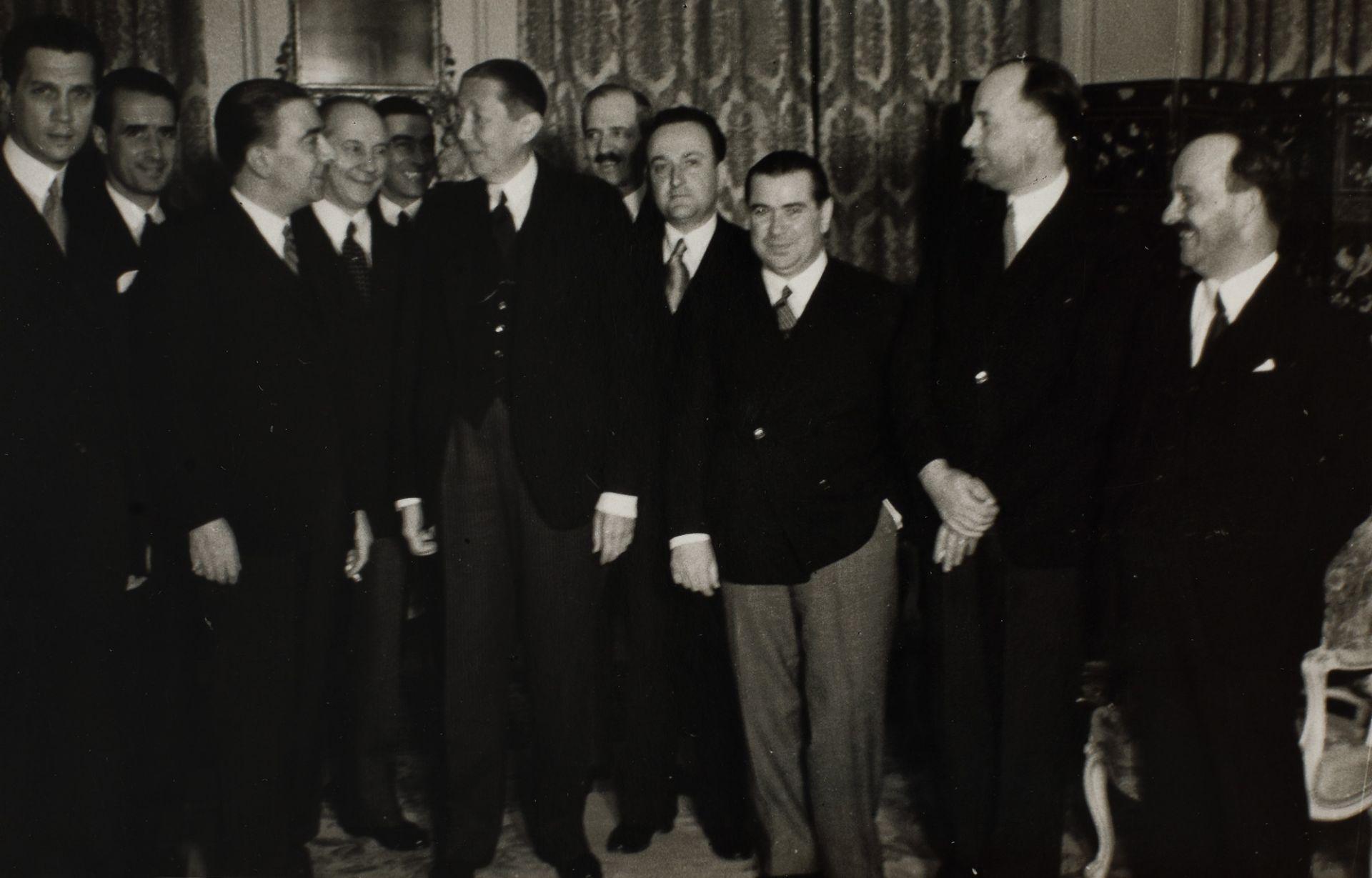Seven photos illustrating Nicolae Titulescu, approx. 1940 - Bild 4 aus 8
